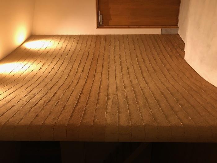 大屋根片流れの家